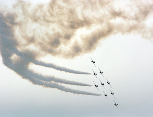 The Snowbirds gave up a day off to perform a raincheck show for Stratford, ON.