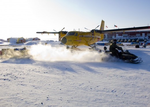 Ski-equipped RCAF Twin Otter sparked UFO scare.