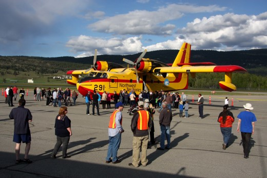 The annual practice visit by NWT CL-215s has become a fundraiser for the Kelowna COPA flight