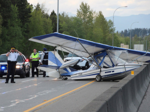 An ultralight amphib pilot was warned his aircraft was unsafe.