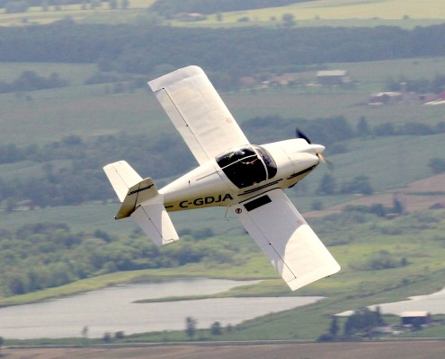 Robin Hadfield is taking part in Air Race Classic