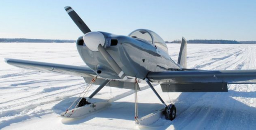 Patrick Gilligan's RV-8 on wheel skis.