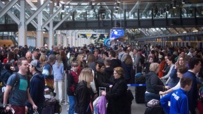 Airlines Challenge Passenger Rights Rules
